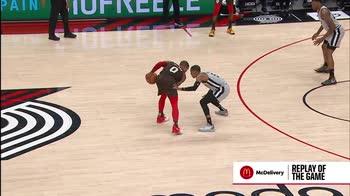 NBA, 30 punti di Damian Lillard contro San Antonio