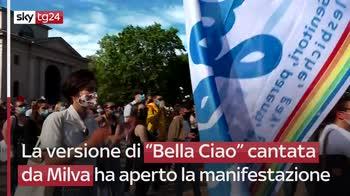 Milano, manifestazione per chiedere approvazione del ddl Zan