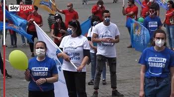 Roma, la protesta dei lavoratori dei parchi divertimento
