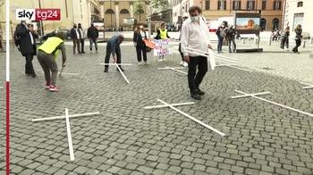 Roma, sit-in per la chiusura dell'acciaieria di Taranto