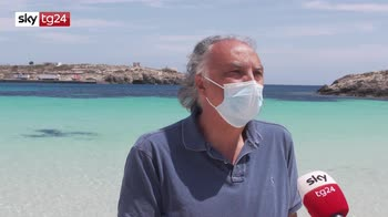 A Lampedusa arrivano i primi turisti
