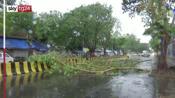 India, il ciclone Tauktae spazza via le case