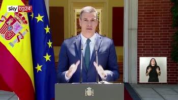 Spagna, respinti 2700 migranti dei 7000 arrivati a ceuta