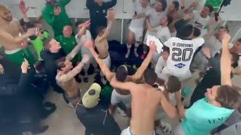 venezia-finale-playoff-serie-b-festa-spogliatoi