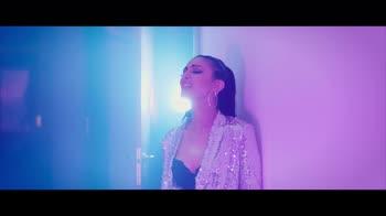 VIDEO - Lorenza presenta il singolo Fuoco e Neve