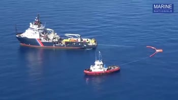 Corsica, autorità francesi contengono la fuga di idrocarbur
