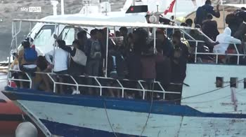 In soccorso dei migranti i pescatori e la nave di MSF