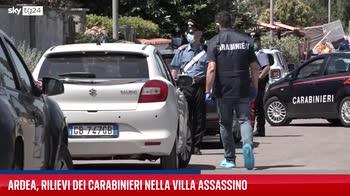 Ardea, i rilievi dei Carabinieri nella villa dell'assassino