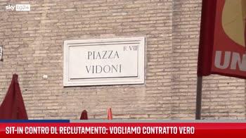 Roma, sit-in di protesta contro il Dl Reclutamento