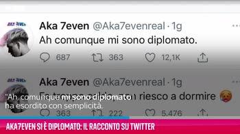 VIDEO Aka7even si è diplomato: il racconto su Twitter