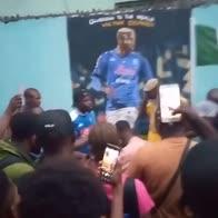 Osimhen torna in Nigeria: c'è un murale in suo onore