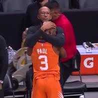 NBA: l'abbraccio tra Monty Williams e Chris Paul