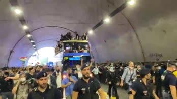 italia campione tifosi tunnel