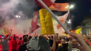 roma-94-anni-festa-tifosi
