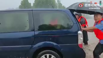 Alluvione in Cina, continua l'emergenza