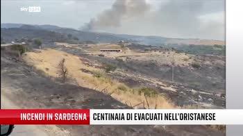 Sardegna, canadair in azione nell'Oristanese