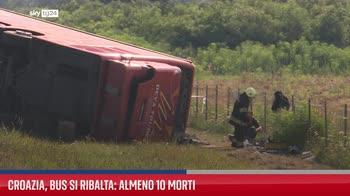 Croazia, bus si ribalta: almeno 10 morti