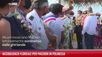 Accoglienza floreale per Macron in Polinesia