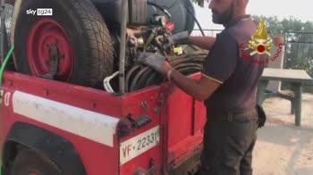 Incendi a Messina, le operazioni dei vigili del fuoco