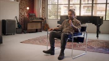 VIDEO - Alessandro Mannarino presenta V: l'intervista