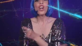 VIDEO - Mia Elison libera le emozioni in Turn You On