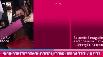 VIDEO Machine Gun Kelly e Conor McGregor, ilitigio ai VMA