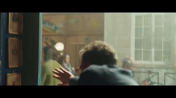 Il materiale emotivo, il trailer del film