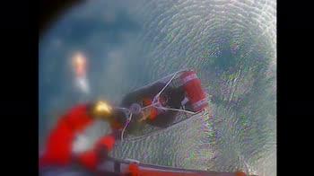 Usa, la guardia costiera salva 3 persone e un cane. VIDEO