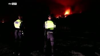 Eruzione vulcano alle Canarie, 50mila evacuati