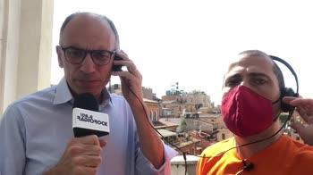 Enrico Letta per i vaccini canta De Gregori a Radio Rock
