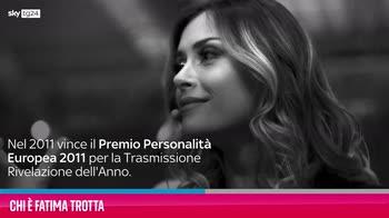"""VIDEO Fatima Trotta, chi è la conduttrice di """"Honolulu"""""""