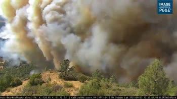 Incendi in California, il video mostra la velocità del fuoc