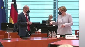 In 16 anni di governo Merkel crescita record per Germania