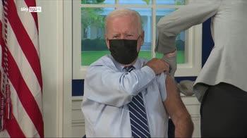 Vaccino Covid, il presidente Usa Joe Biden riceve la terza dose