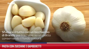 Pasta con zucchine e gamberetti
