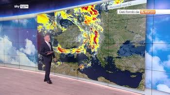 Meteo, maltempo da nord a sud con forte vento e temporali