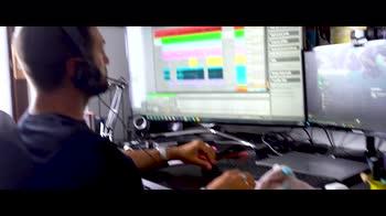 VIDEO - Riccardo Inge e un Venerdì da papà