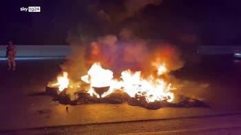 libano 6 morti e 60 feriti negli scontri di piazza