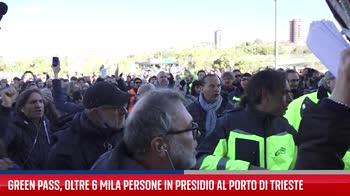 Trieste, il presidio dei lavoratori portuali e manifestanti