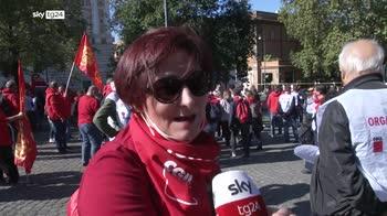 Sindacati in piazza, corteo cgil, migliaia da tutta italia