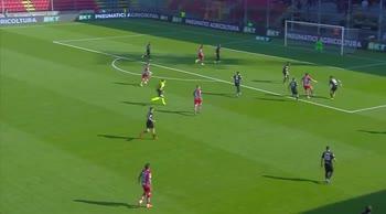 Cremonese-Benevento, il gol di Fagioli