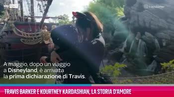 VIDEO Travis Barker e Kourtney Kardashian, la storia d'amor