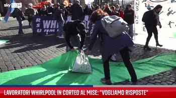 Roma, corteo Whirlpool si dirige verso Mise