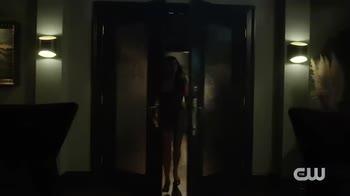 Riverdale 6, il teaser trailer presenta Sabrina