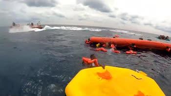 Migranti, Sea Watch salva centinaia di persone. VIDEO