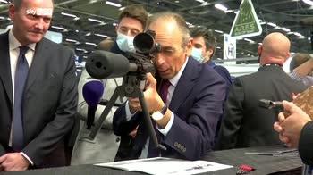 Francia, Zemmour punta fucile contro giornalisti