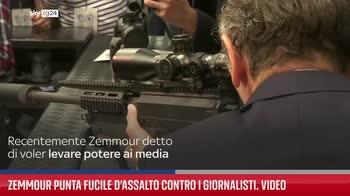 Zemmour punta fucile d?assalto contro i giornalisti. Video