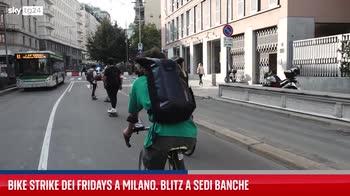 Fridays for future, a Milano il Bike Strike