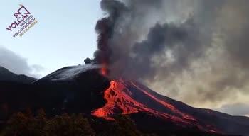 Eruzione vulcano canarie, fiumi di lava dal Cumbre Vieja